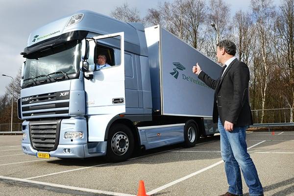 Rijinstructeur aanhangwagen vrachtwagen